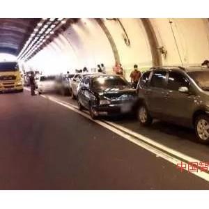 照明关乎健康与生命,一隧道疑因灯光太暗致16车相撞