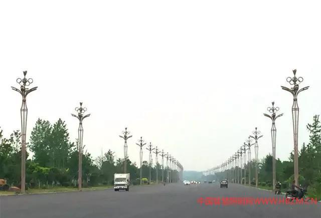 """五环景观灯""(图1)"